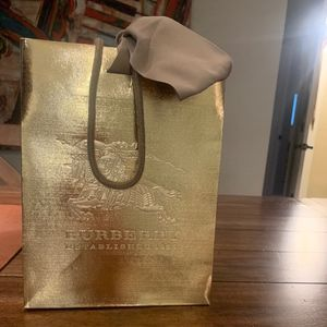 Burberry Shopping Bag w. Ribbon